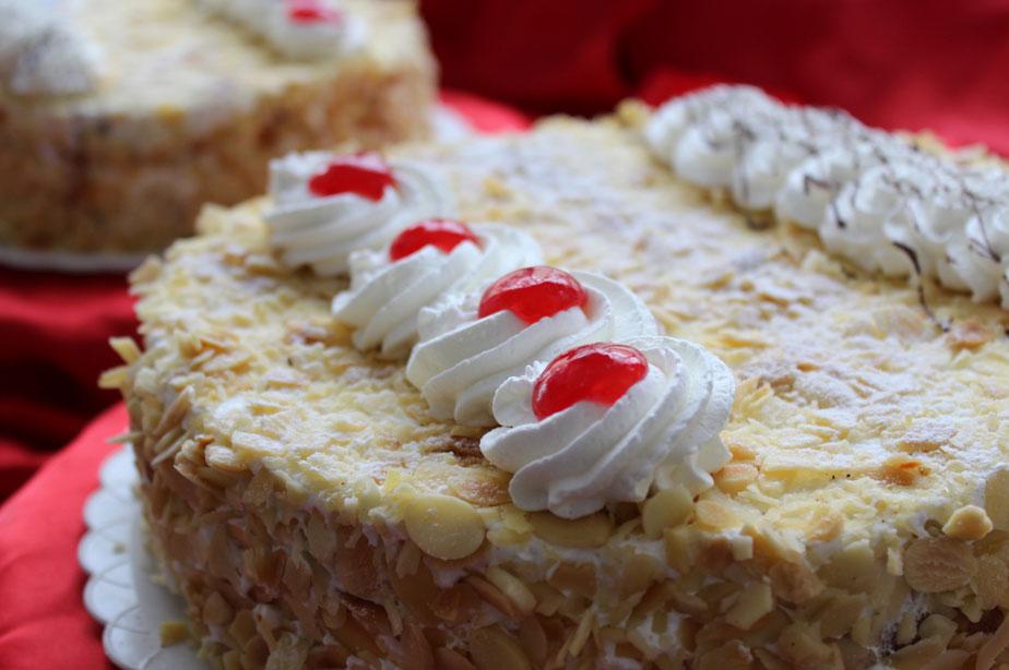 Tarta de almendra y nata | Cercadillo